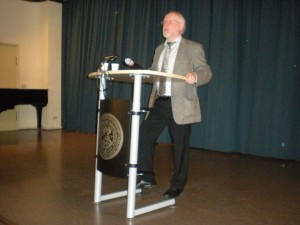 """Prof. Dr. Niklas Holzberg: """"Zwei Überblicke über die römische Geschichte im Vergleich. Die Praefatio des T. Livius und die Schildbeschreibung in Vergils Aeneis"""""""