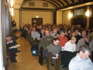 Das Auditorium von vorne beim Vortrag von Prof. Dr. Niklas Holzberg